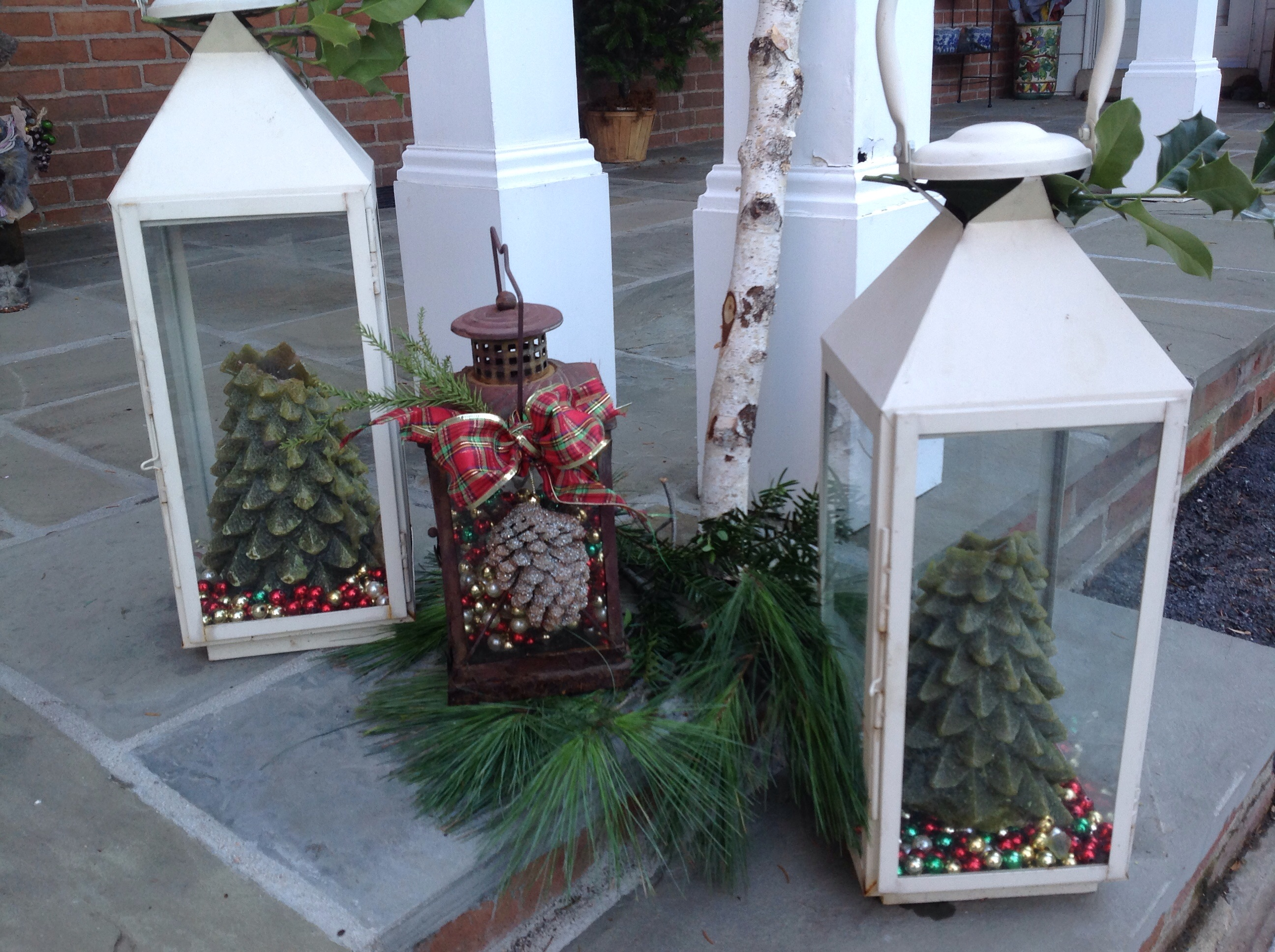 image lanterns filled with christmas - How To Decorate A Lantern For Christmas