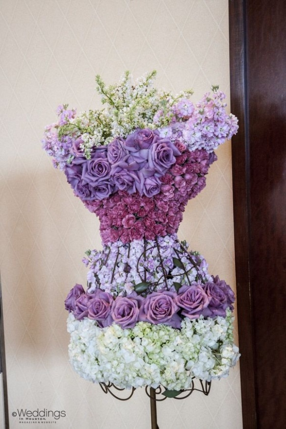 Beidermeier dress form arrangment by houstonweddingblog.com