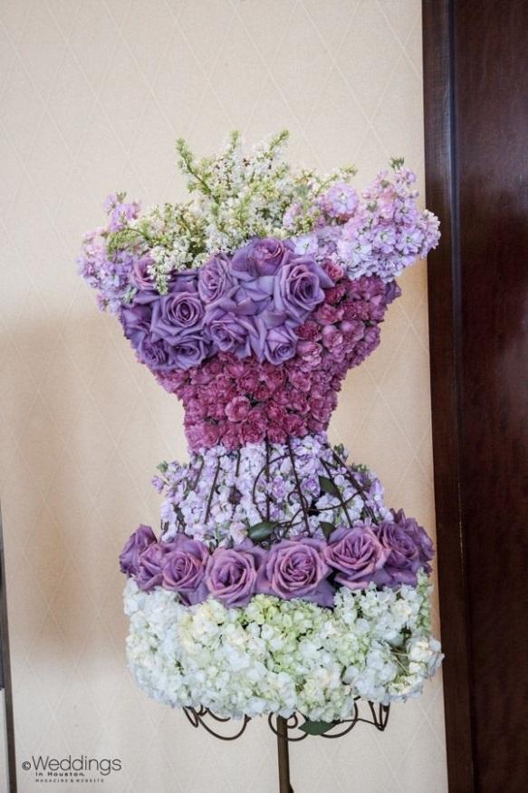 Beidermeier dress form arrangment by houstonweddingblog.com